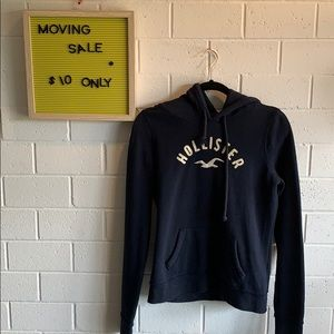 🎉MOVING SALE Hollister logo hoodie size M 🎉